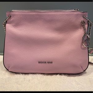 Michale Kors Lillie Messenger bag